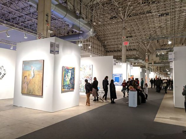 2107 Different Artists At Expo Chicago 2019 19 22 September